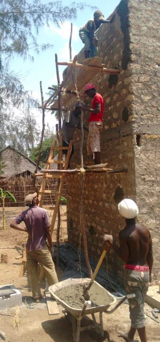Bouwen van een spirulina farm in Kenia