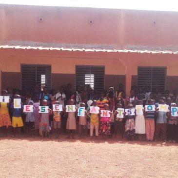 Kinderen uit Burkina bedanken voor de inzamelingsactie