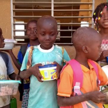 Burkina Faso: Onderhoud van de school